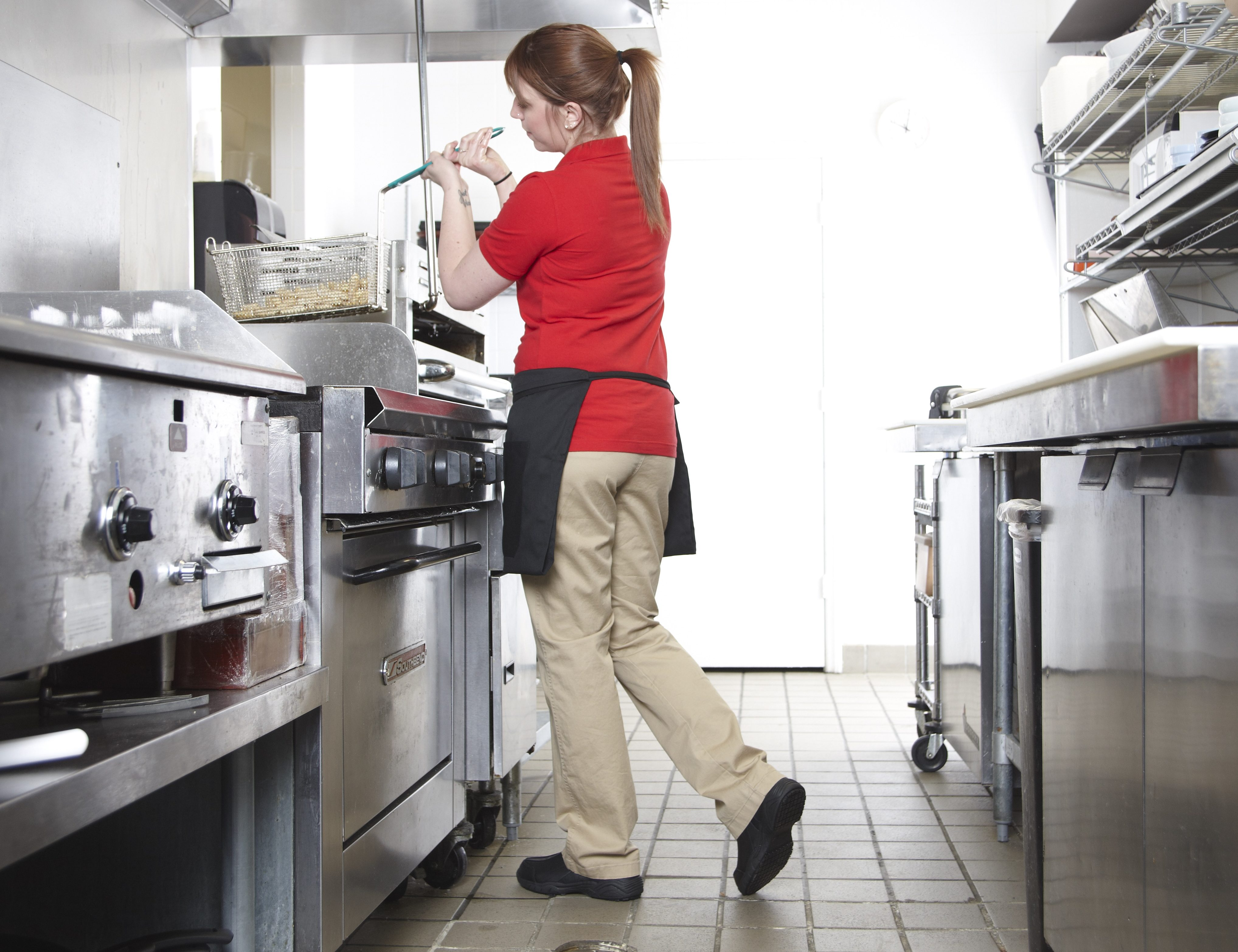 Top Safety Tips for Cafeteria Workers